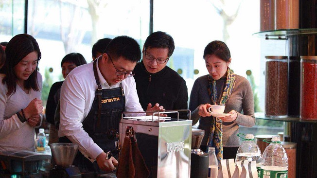 Alumni in China at the From Seed to Cup – Gourmet Coffee Tasting Event