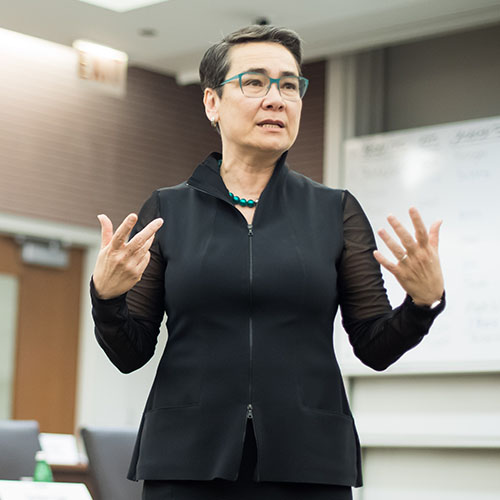 Professor Linda Ginzel teaching