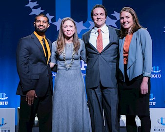 Meaningfull Meals Co-founders Ashray Reddy, Connor Blankenship and Rebekah Krikke with Chelsea Clinton at the Clinton Global Initiative